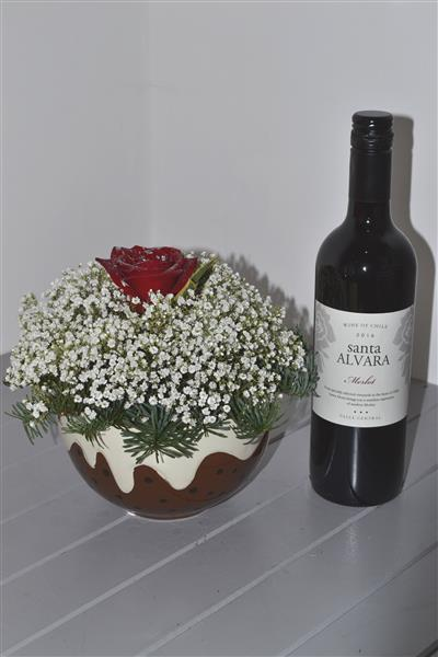 Gypsophila Christmas Pudding with Red Wine